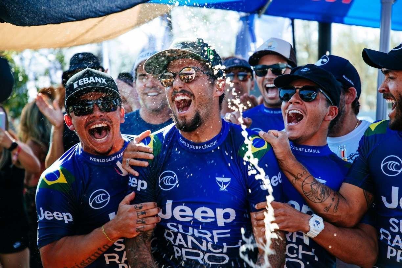Filipe Toledo desabafa ao vencer o Jeep Surf Ranch Pro