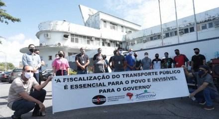 Protesto por vacinação dos fiscais de transporte do Grande Recife Consórcio.