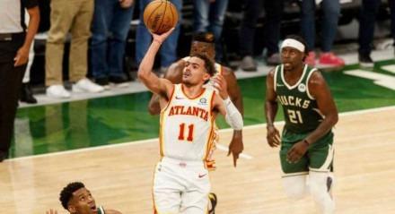 Armador Trae Young voltou a ter atuação de destaque pelo Atlanta Hawks