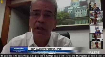 """Alberto Feitosa afirmou que os deputados Jô Cavalcanti e João Paulo """"abusam do pouco saber e da ignorância de pessoas que já sofrem muito pela situação social que têm"""""""