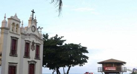 Local onde banhista faleceu após ser atacado por um tubarão, ao lado da Igrejinha de Piedade.