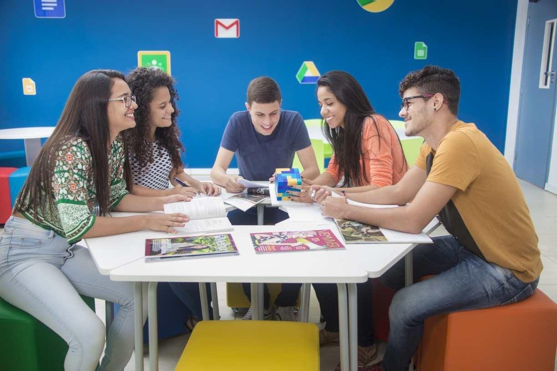 Modelo acadêmico estimula universitários a se formarem para a vida