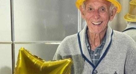 Vô Nelson, conhecido pelo perfil 'Vovôs TikTokers'
