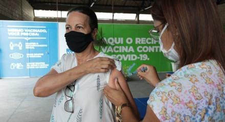 SEST SENAT começaram a atuar como ponto de vacinação contra a covid-19.