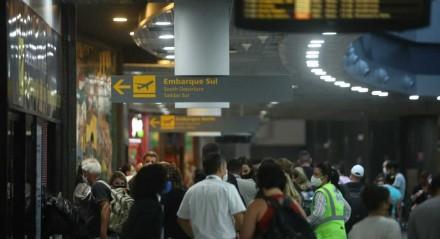 Palavras-chave: Aeroporto - Avião - Passageiro - Passagem - Estrutura - Manutenção - Revitalização ##