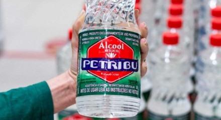 Álcool Petribu, líder do mercado de álcool 70º
