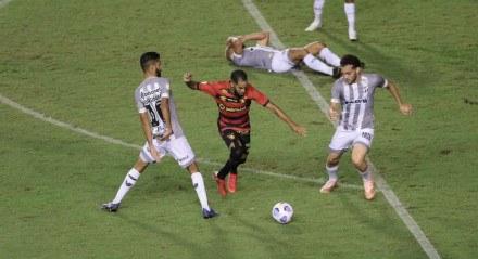 Jogo entre o Sport (PE) e o Ceará (CE). Partida valida pelo Campeonato Brasileiro Série A , realizada no estádio da Ilha do Retiro, em Recife (PE),  neste domingo, 25 de julho de 2021.