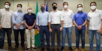 O grupo de FBC em visita ao prefeito Anderson Ferreira, do PL