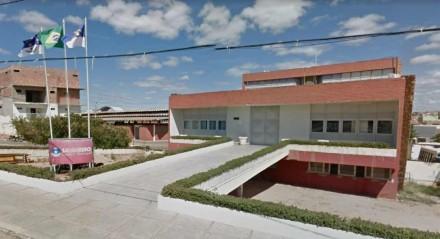 PREFEITURA DE SALGUEIRO Ao todo, são ofertadas 60 vagas, com salários que passam de R$ 2,6 mil