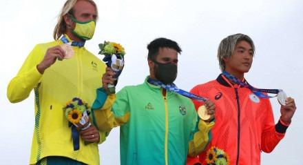 Ítalo Ferreira é um surfista de ouro. O potiguar de Baía Formosa que começou a surfar em um pedaço de isopor é o primeiro medalhaste olímpico do surfe.