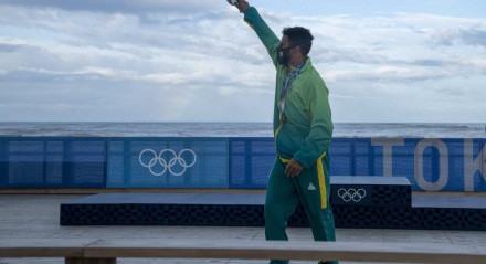 Ítalo Ferreira fala sua conquista do Ouro O potiguar falou para jornalistas sobre seu feito histórico de ser o primeiro campeão olímpico do surfe