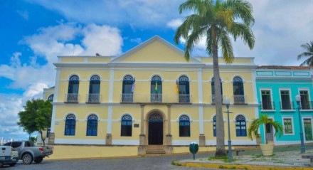 OLINDA Aval para novo concurso foi assinado pelo prefeito Professor Lupércio