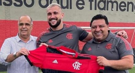 Arthur Picoli já foi apresentado pelo Flamengo