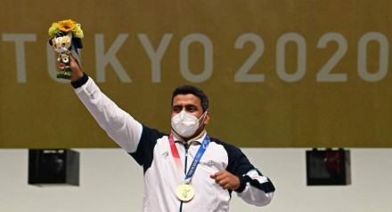 Javad conquistou o ouro no tiro esportivo.