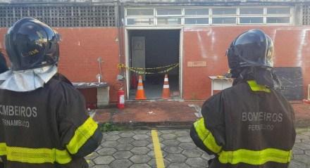 O Corpo de Bombeiros foram acionados para comparecer ao prédio da PRF