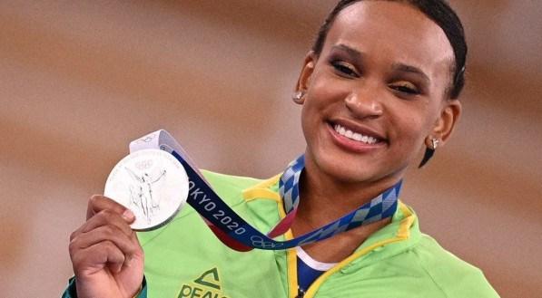 Rebeca Andrade foi prata no individual geral da ginástica artística na Olimíada de Tóquio 2020