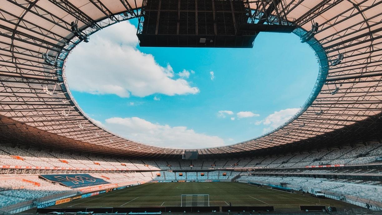 A partida acontece no estádio Couto Pereira, em Curitiba.