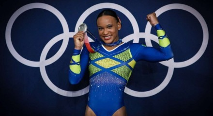 Rebeca Andrade, prata no individual geral da ginástica artística