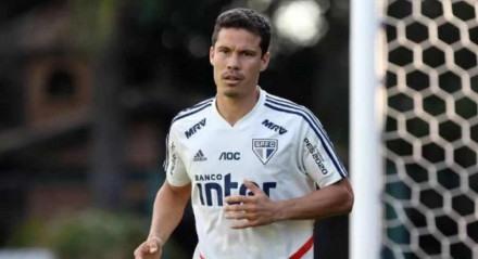 Jogador de 36 anos está a procura de um novo clube após a saída do São Paulo.