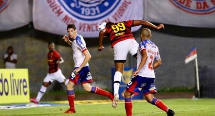 Lance do gol de Mikael para o Sport contra o Bahia