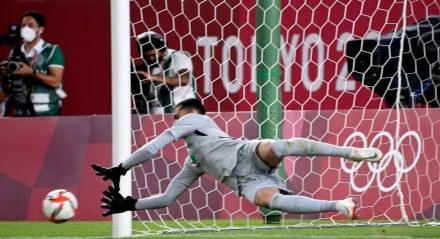 Goleiro Santos, que pegou pênalti na semifinal olímpica contra o México, jogou nas categorias de base do Porto de Caruaru