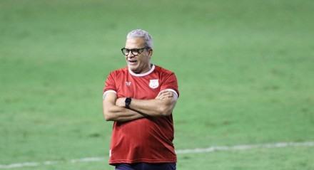 Hélio dos Anjos, Técnico do Náutico. Lances do jogo de futebol Náutico X Cruzeiro, válido pelo Brasileirão da Série B, no Estádio dos Aflitos.