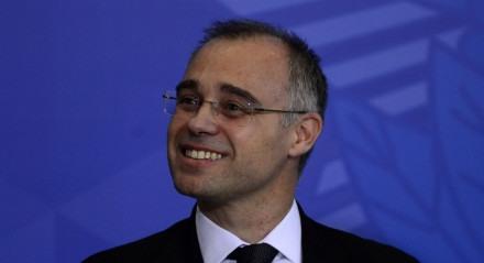 O novo ministro da Justiça e Segurança Pública, André Mendonça, durante a solenidade de posse no Palácio do Planalto