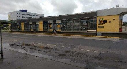 Estação de BRT fechada