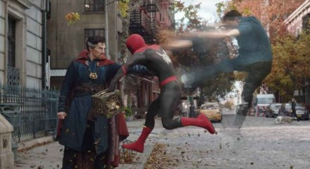 Doutor Estranho ajuda o Homem-Aranha no novo longa