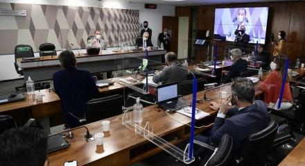 CPI da Covid reage à ausência de advogado e pede retenção de passaporte