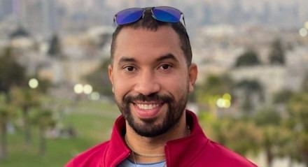 O ex-BBB e economista pernambucano Gil do Vigor está fazendo PhD nos Estados Unidos