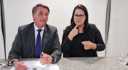 Bolsonaro em live realizada no seu perfil no Facebook