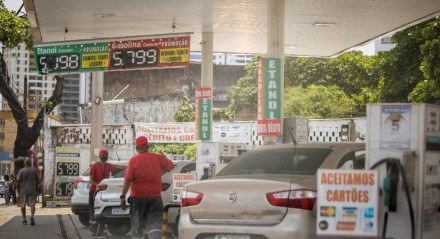 Posto na Avenida Norte, no Bairro da Encruzilhada, está com a gasolina por R$ 5,799 o litro
