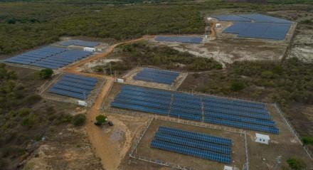 Placas de captação de energia solar da Elétron Energy