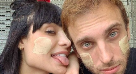 O casal Aline Mineiro, que está em 'A Fazenda 2021', e Léo Lins, humorista