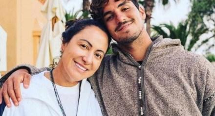 Simone Medina, mãe do surfista, enfrenta um sério problema familiar com o atleta