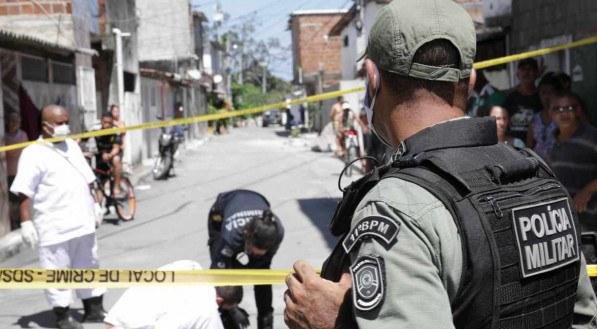 Um homem foi assassinado no bairro de Dois Unidos, na Zona Norte do Recife.