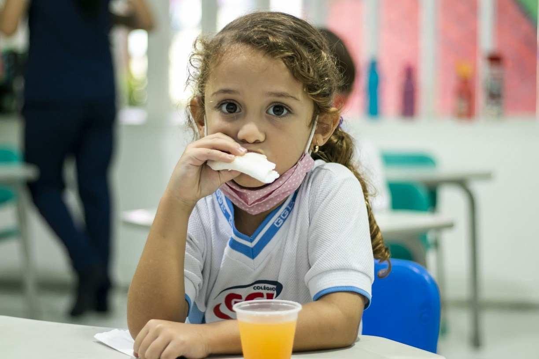 Turno complementar favorece hábitos alimentares saudáveis e desintoxicação de tecnologia