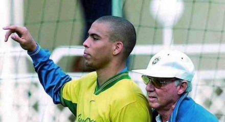 Ronaldo chegou a ser comandado por Zagallo na Seleção Brasileira