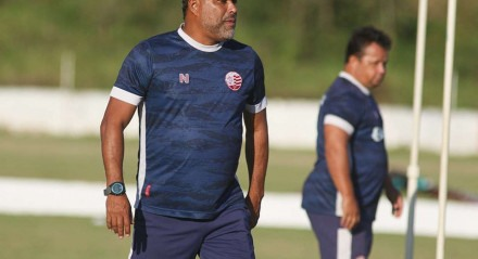 Marcelo Rocha já comandou o treino do Náutico nesta quarta-feira (22).