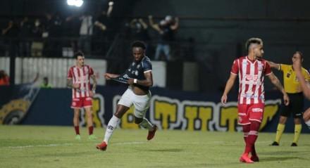 Remo X Náutico – Jeferson jogador do Remo comemora seu gol durante partida contra o Náutico no estádio Baenão pelo campeonato Brasileiro B 2021.