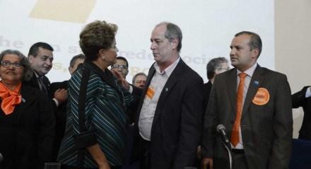 Dilma Rousseff e Ciro Gomes durante convenção nacional do PROS em 2014