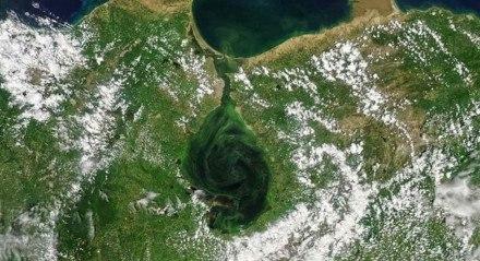 Lago de Maracaibo, um dos principais polos de produção de Petróleo da Venezuela.