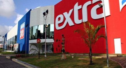 Marca Extra Hiper, com 71 lojas, será convertida para Assaí; transação teve valor de R$ 5,2 bilhões