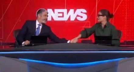 Renata e Bonner se emocionaram com reportagem sobre 25 anos da GloboNews