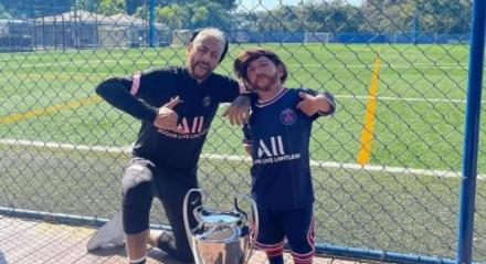 Sósias de Neymar e Messi