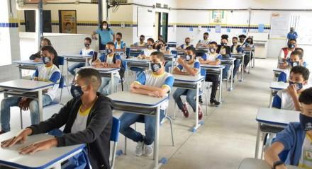 Escola municipal do Recife dificuldades de acomodação espacial,
