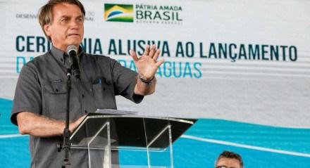 Bolsonaro durante evento em São Roque de Minas (MG), nesta segunda-feira (18)