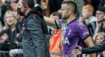 Jogador do Tottenham indica à equipe médica onde está o torcedor