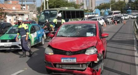 A colisão aconteceu na manhã desta quarta-feira